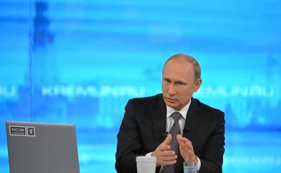 Путин признал, что рубль был девальвирован осознанно