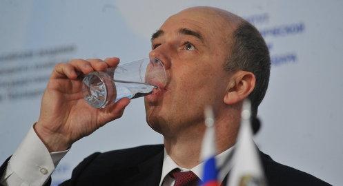 Силуанов поблагодарил бога за снижение цен на нефть