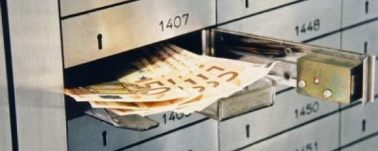 Европейский ЦБ хочет Грецию без депозитов оставить