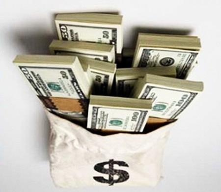 Под конец торгового месяца валюту покупают