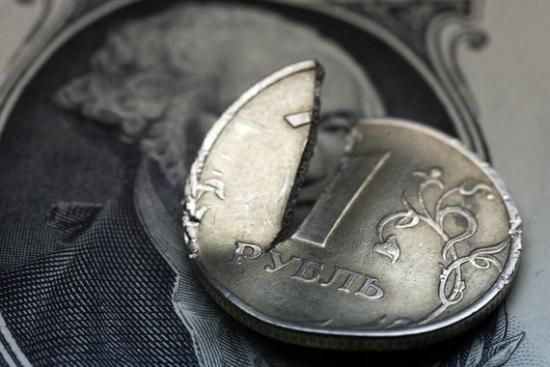 Дешёвая нефть толкает валю все выше и выше