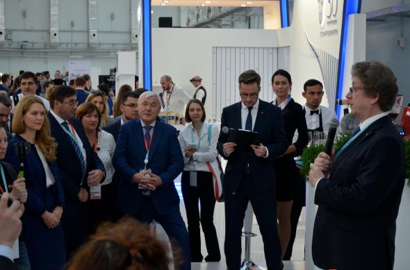 Мосбиржа торжественно подписала соглашение по маркетплейсу на Финополис 2018