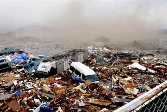 essay on tsunami in japan 2011 Summary of 2011 japanese earthquake and tsunami of summary of 2011 japanese earthquake and and build up into a tsunami the 2011 japan.