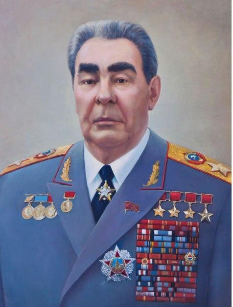 С кого ТМ берёт пример: со Сталина или с Брежнева?