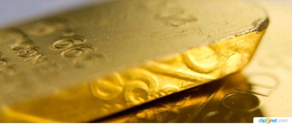 Золото впервые в истории стоит больше $2000 за унцию.