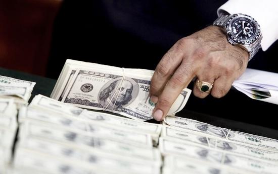 Как американцы могут обрушить рубль