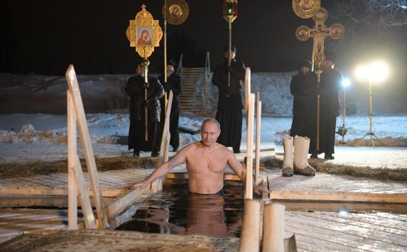 Мрак с подсветкой, Путин, попы и прорубь...